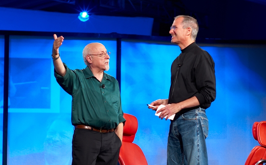 Walt Mossberg interviews Steve Jobs at the D8 Conference (photo by Joi Ito).