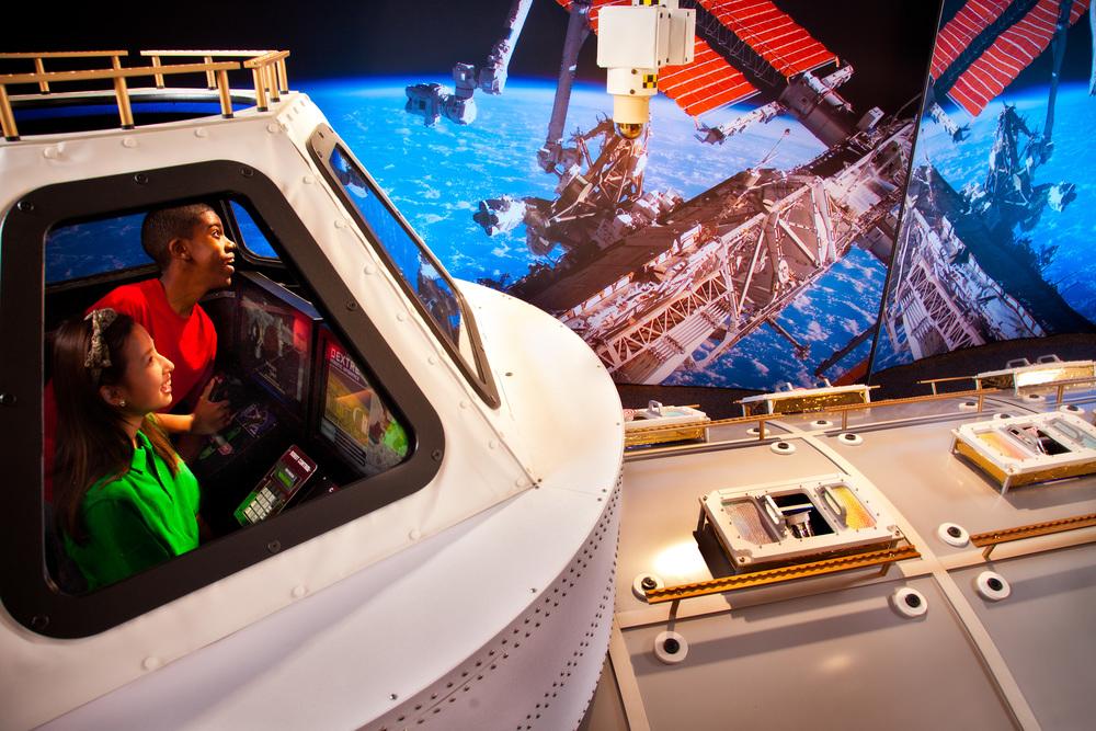 28_MA-SpaceWalk.jpg