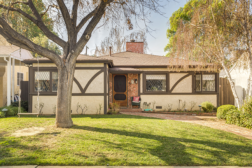 4243 STERN AVE., SHERMAN OAKS,   $1,075,000 - SOLD!