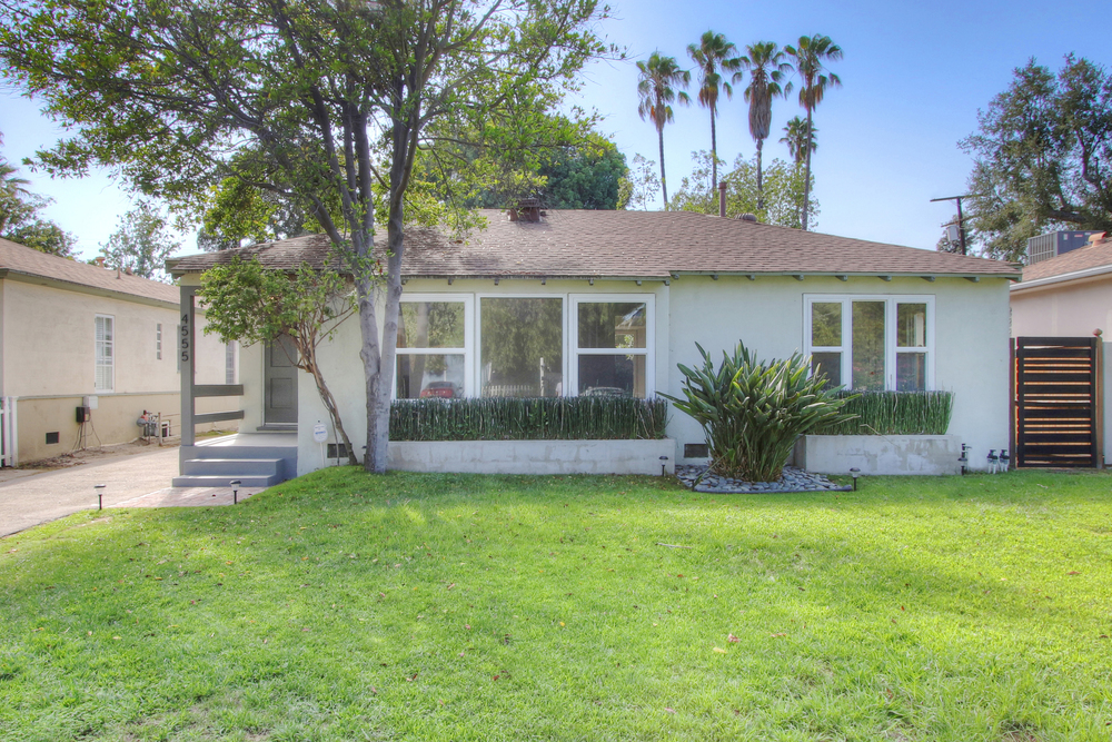 4555 BEN AVE., $799,000 - SOLD!