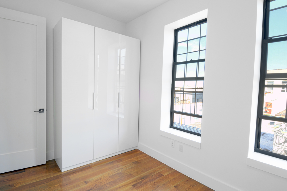 back bedroom 2.jpg