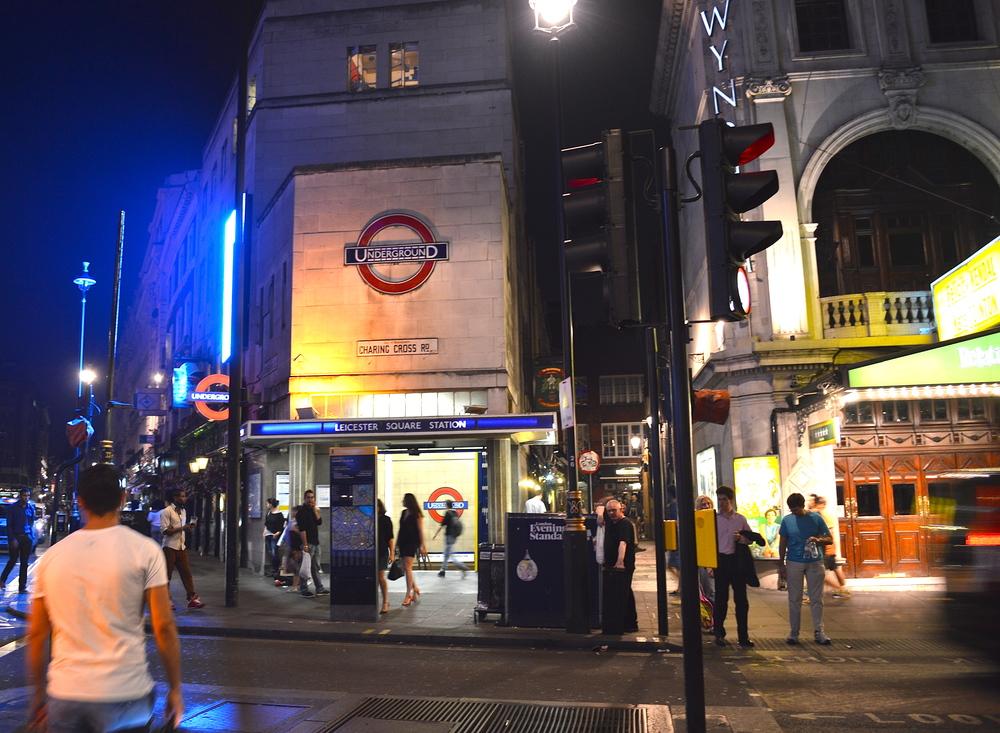 Andar a pé talvez seja o melhor meio de transporte para uma cidade plana como Londres. No entanto, a ótima malha de serviços de transporte - sobretudo público - precisava de um review à parte.