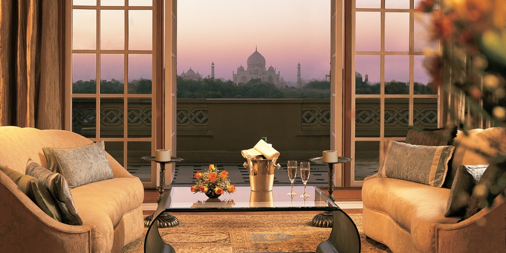 kohinoor-suite-living-room-balcony.jpg