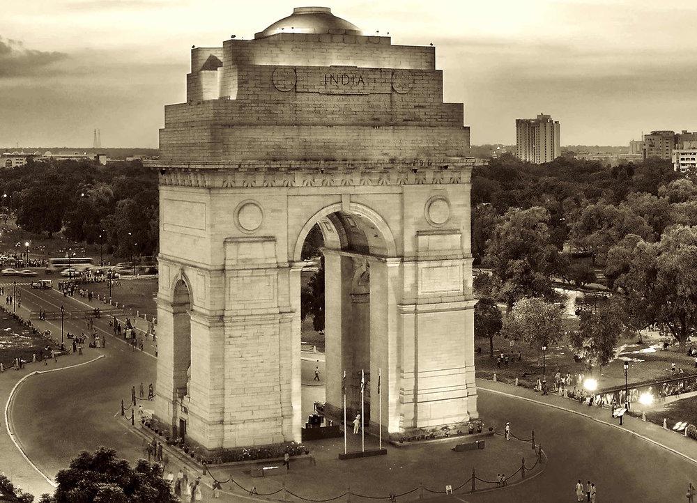 CUSM BW INDIA GATE.jpg
