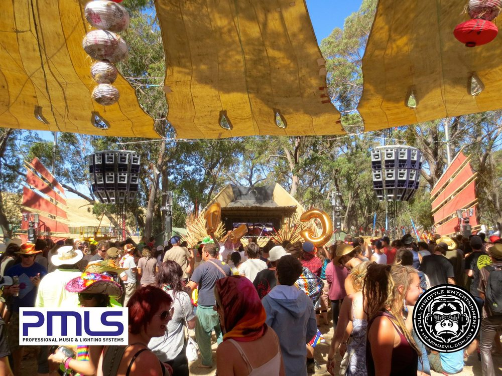 Rainbow Serpent 2013: Market Stage in glorious sunshine, please click the image to see the video.