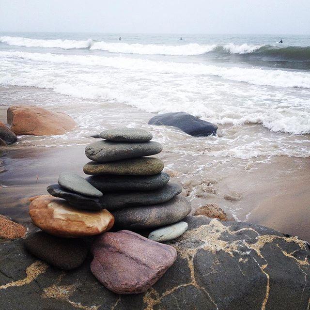 The surf is stacking up #marthasvineyard #surflessons #edgartown #menemsha #surfingMV
