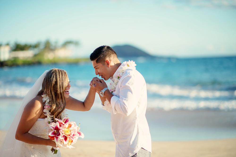 Maui_Beach_wedding_photographer009.jpg