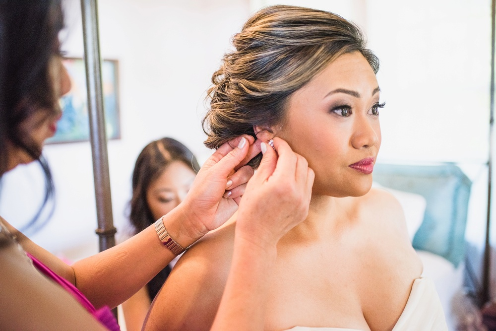 Hawaii Wedding Photography - Getting Ready