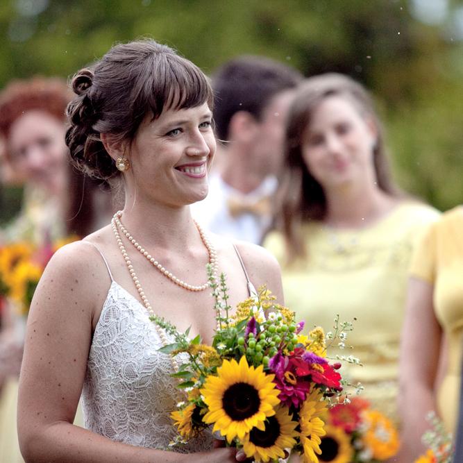 A happy bride for a vintage wedding