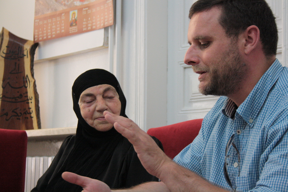 Maalula 2012: Manuel Ochsenreiter during an interview with a nun