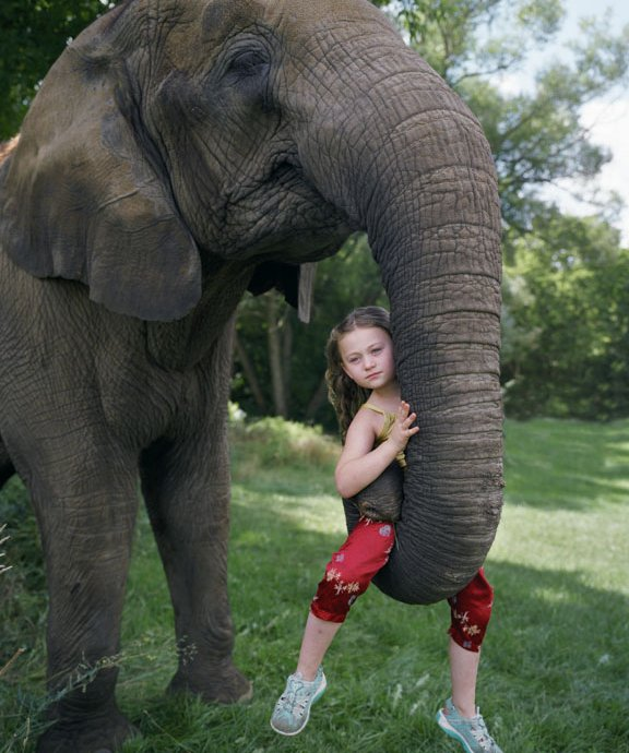 Mom Pairs Daughter With Exotic Animals for Photo Series