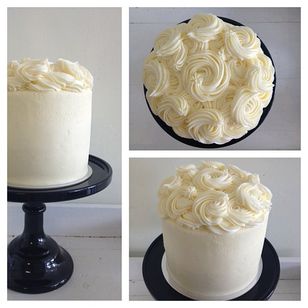 White Spiral Top Cake | Code: SP2 | Bluebells Cakery
