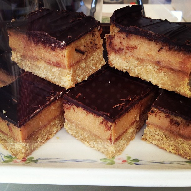 Caramel and Ginger Slice #bluebellscakery