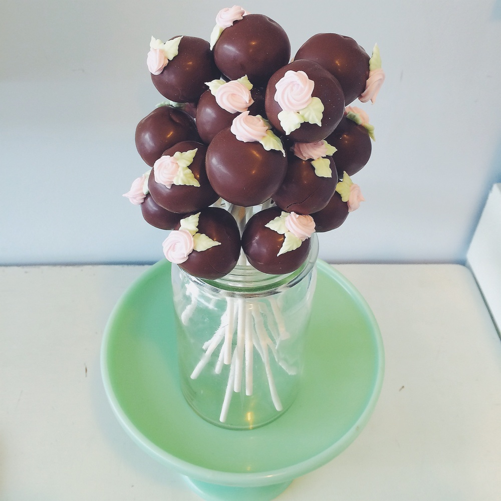 Chocolate Cake Pops - Bluebells Cakery