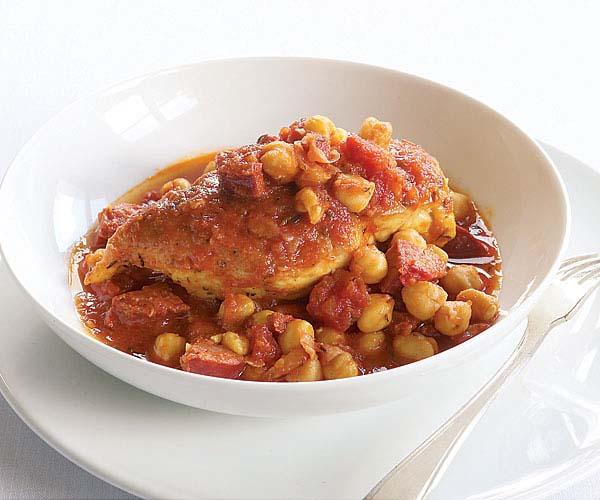 051095094-02-chicken-chickpeas-chorizo-main.jpg