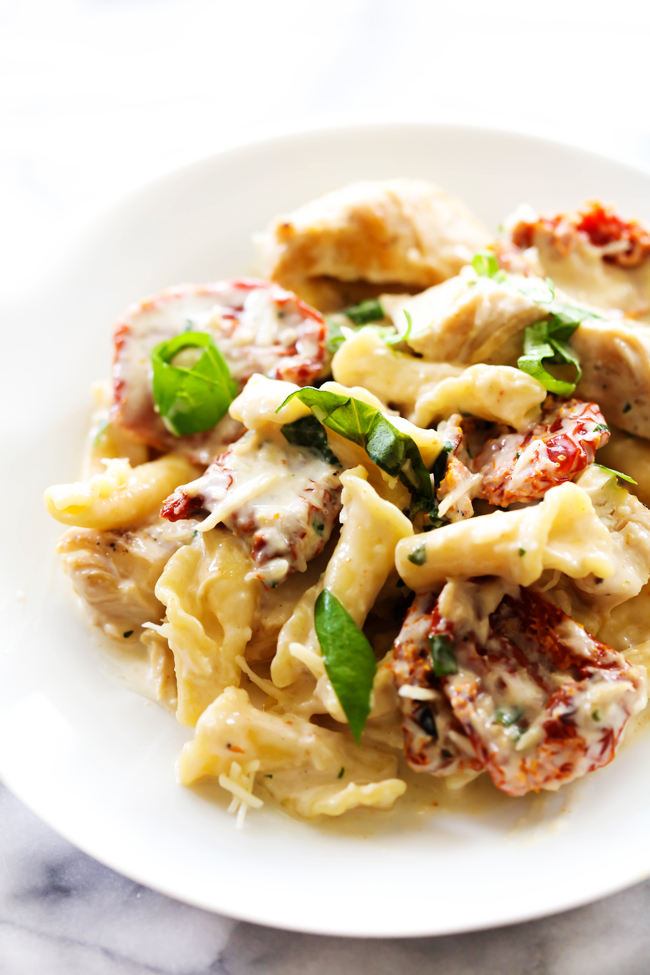 Creamy-Sun-Dried-Tomato-Basil-Pasta-2.jpg