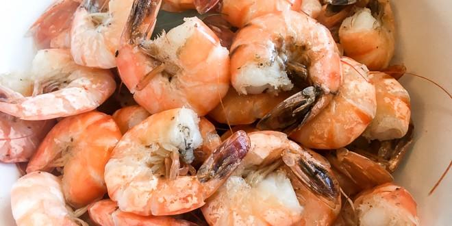 Peel-and-Eat-Shrimp-how-to-boil-shrimp-old-bay-seasoning-FI.jpg