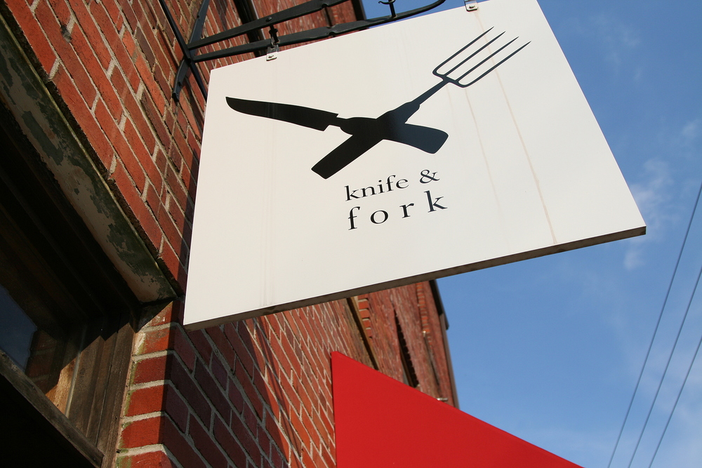 knife & fork sign.jpg