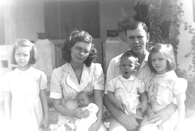 Buerer family in 1948. Peggy Ann, Vickie, Marilyn, Lois, Harry, and Nancy.