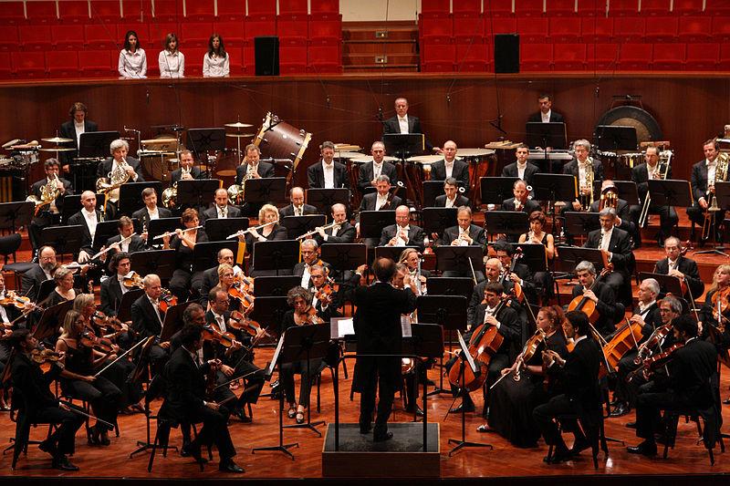 By MITO SettembreMusica (4.IX Orchestra Sinfonica Nazionale della Rai)  [CC BY 2.0] , via Wikimedia Commons