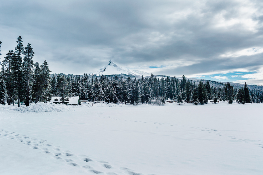 Mount Thielsen above Diamond Lake Resort in southern Oregon