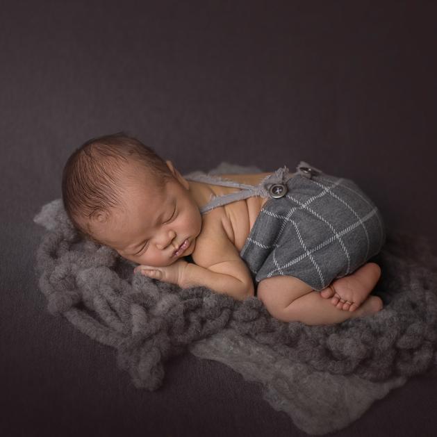 grey-newborn.jpg