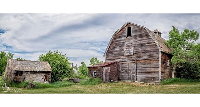 The old Livery Barn in Rowley, AB... one of my favorite locations to have in front of my lens. :) #RowleyAB #photography #art #sky #clouds #explorealberta #travelalberta #ImagesofCanada #landscape #landscape_captures #Canada #Alberta #visualsoflife #rural #rural_love #ruralexploration #rurallife #heritage #farm #farmhouse #farmlife #farming #abandoned #abandonedplaces #vintage #Nikon #D810