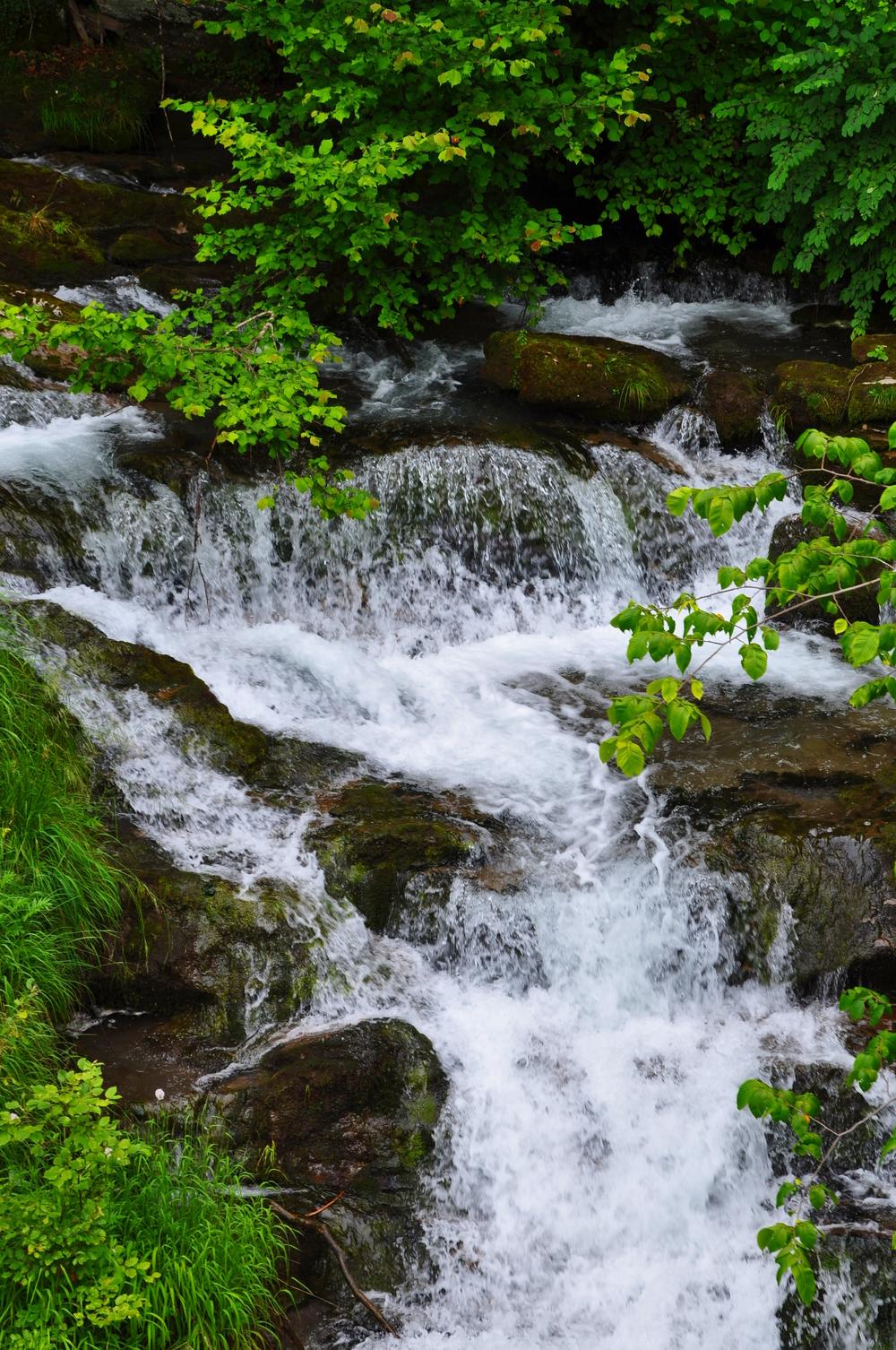Giessbach Falls 2.jpeg