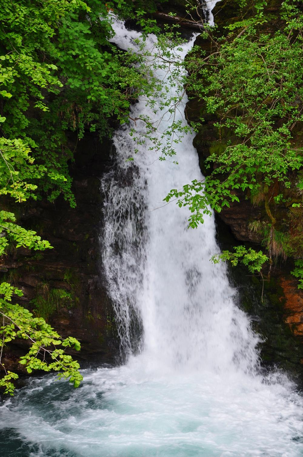 Giessbach Falls 4.jpeg