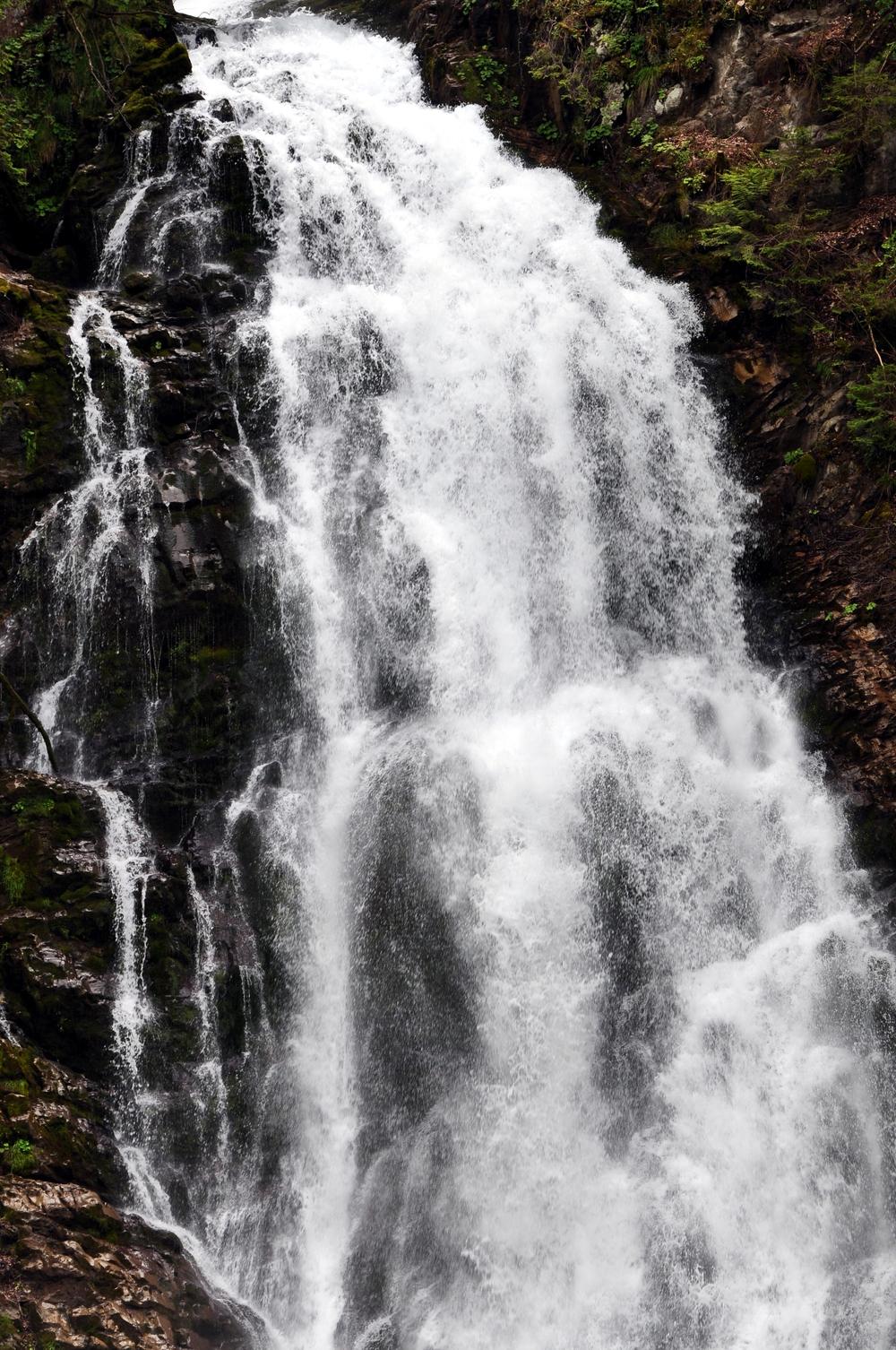 Giessbach Falls 5.jpeg