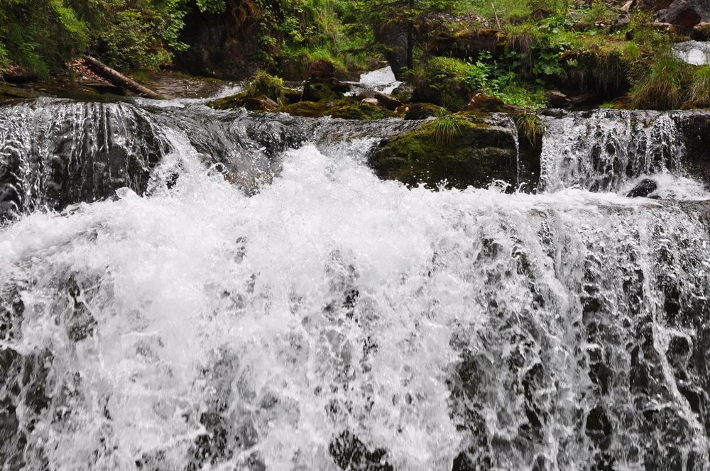 Giessbach Falls 9.jpeg