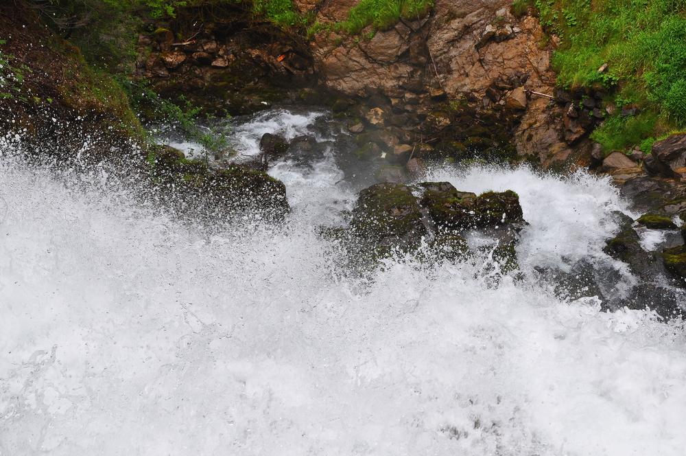 Giessbach Falls 10.jpeg