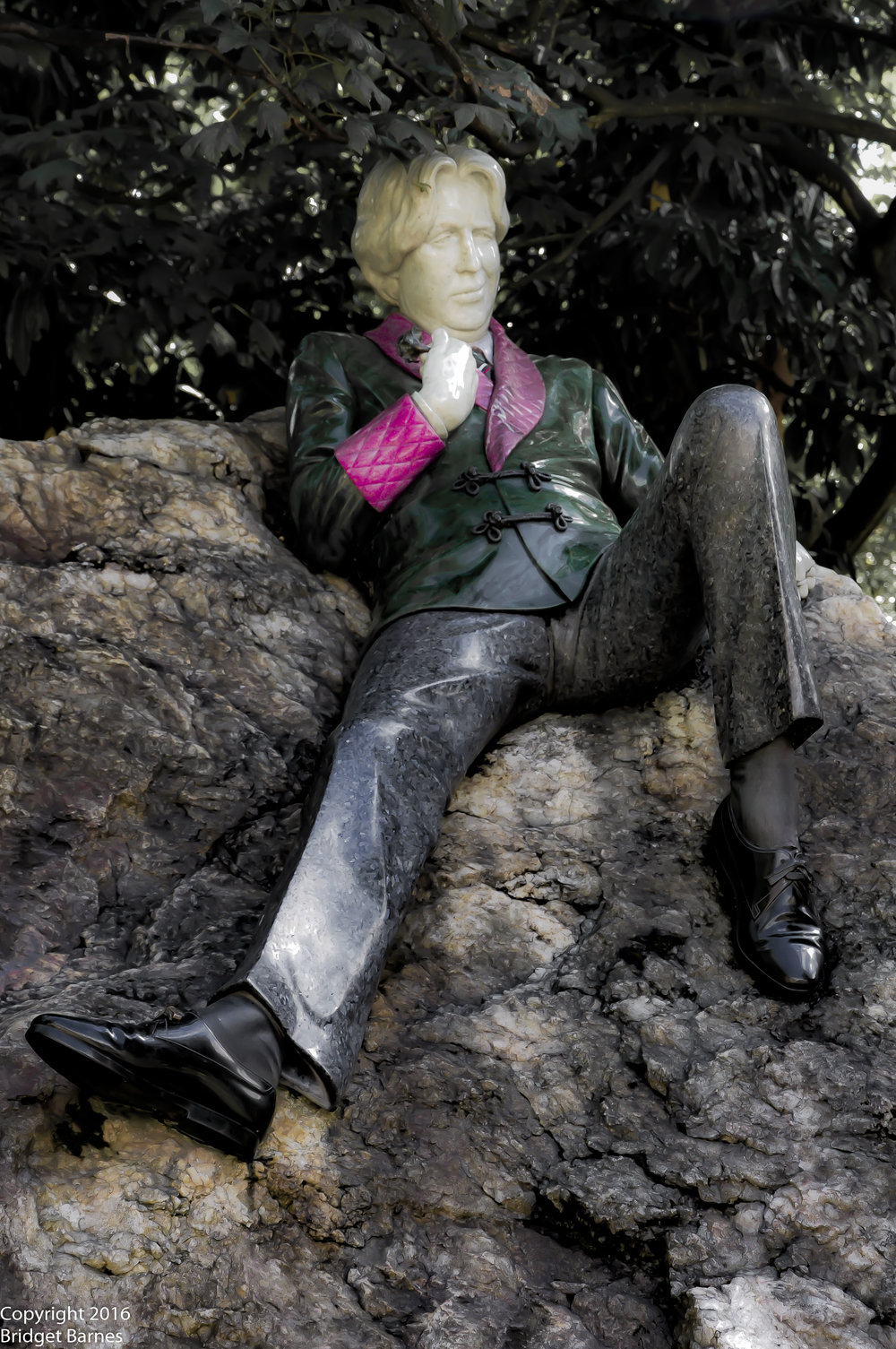 Oscar Wilde in Merrion Square located in Dublin