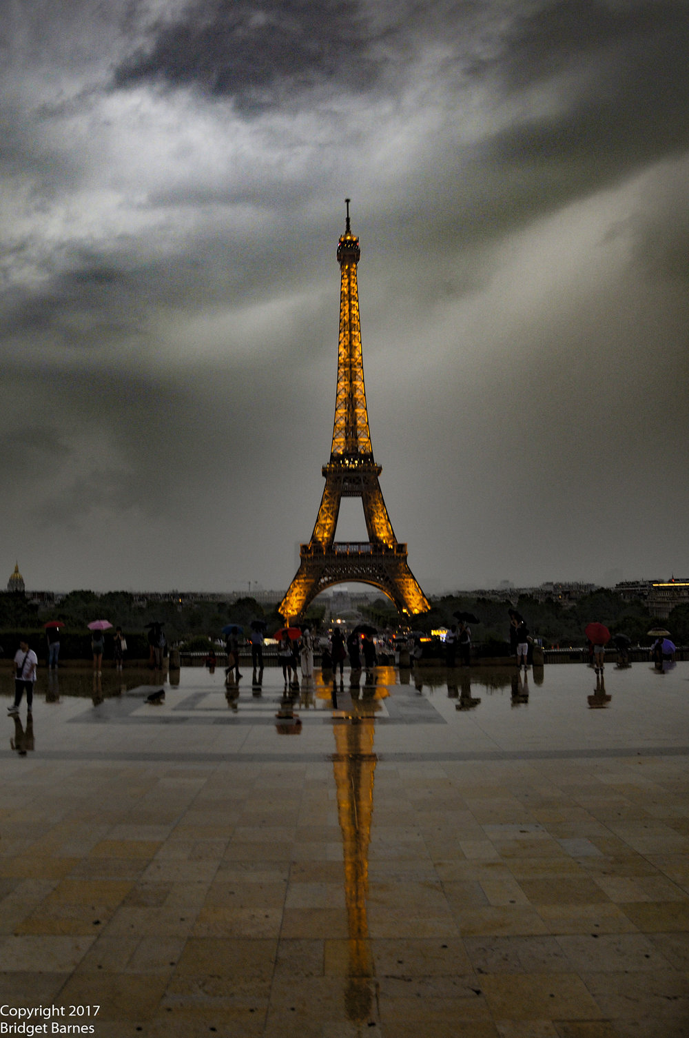 The Eiffel Tower is beautiful at all times of the day, from sunrise to after midnight, offering you twenty-four hours to take your perfect shot of the most iconic image of Paris.