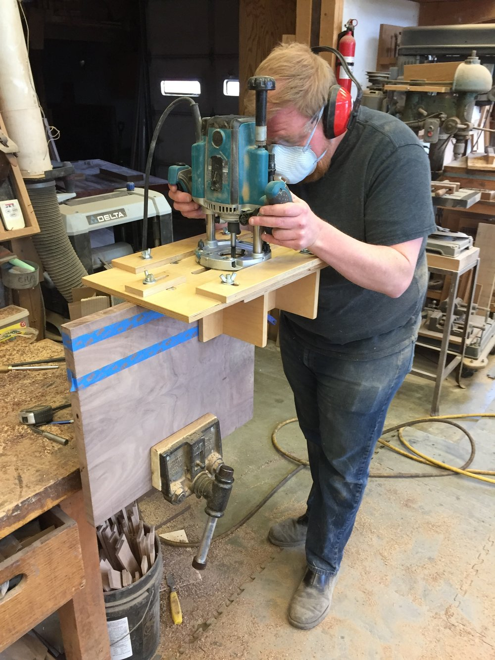 Routing floating tenon mortises