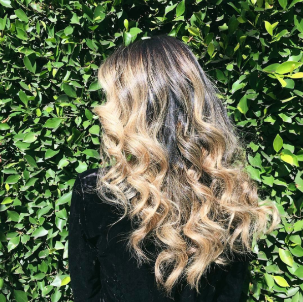 curls by @hairbyorit // color + cut by @hairbygiovanna