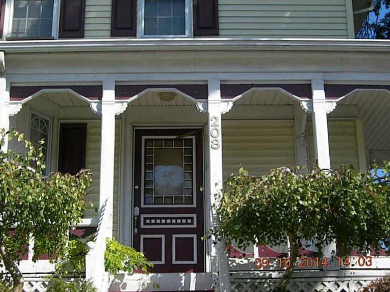208 Narragansett Avenue 2.jpg
