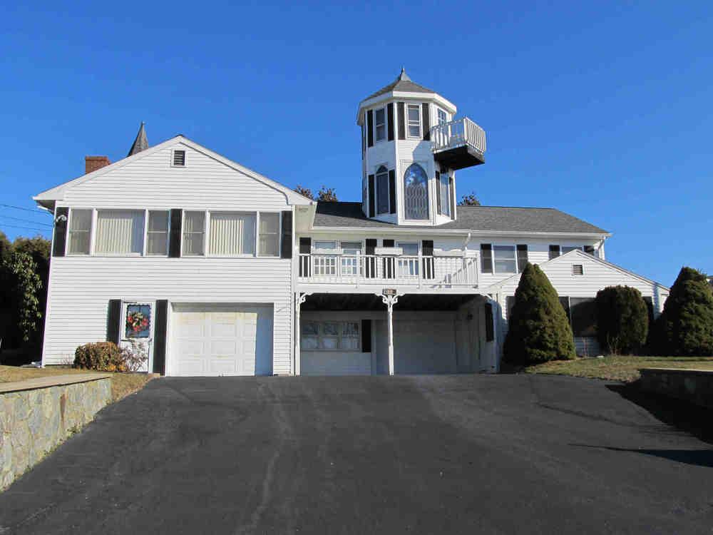 Narragansett, RI - Closed July 29, 2015