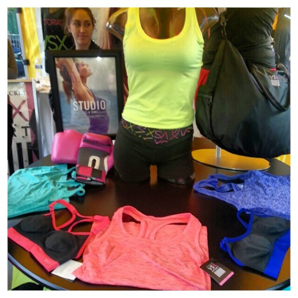 #VSX Is the activewear line by #VictoriaSecret lots of fashionable options.  #fitandfashionable #SELFmagazine #workoutinthepark
