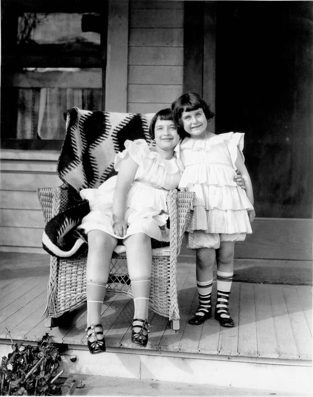 Bernice and Ruth at Fox Studios, Hollywood (1921)