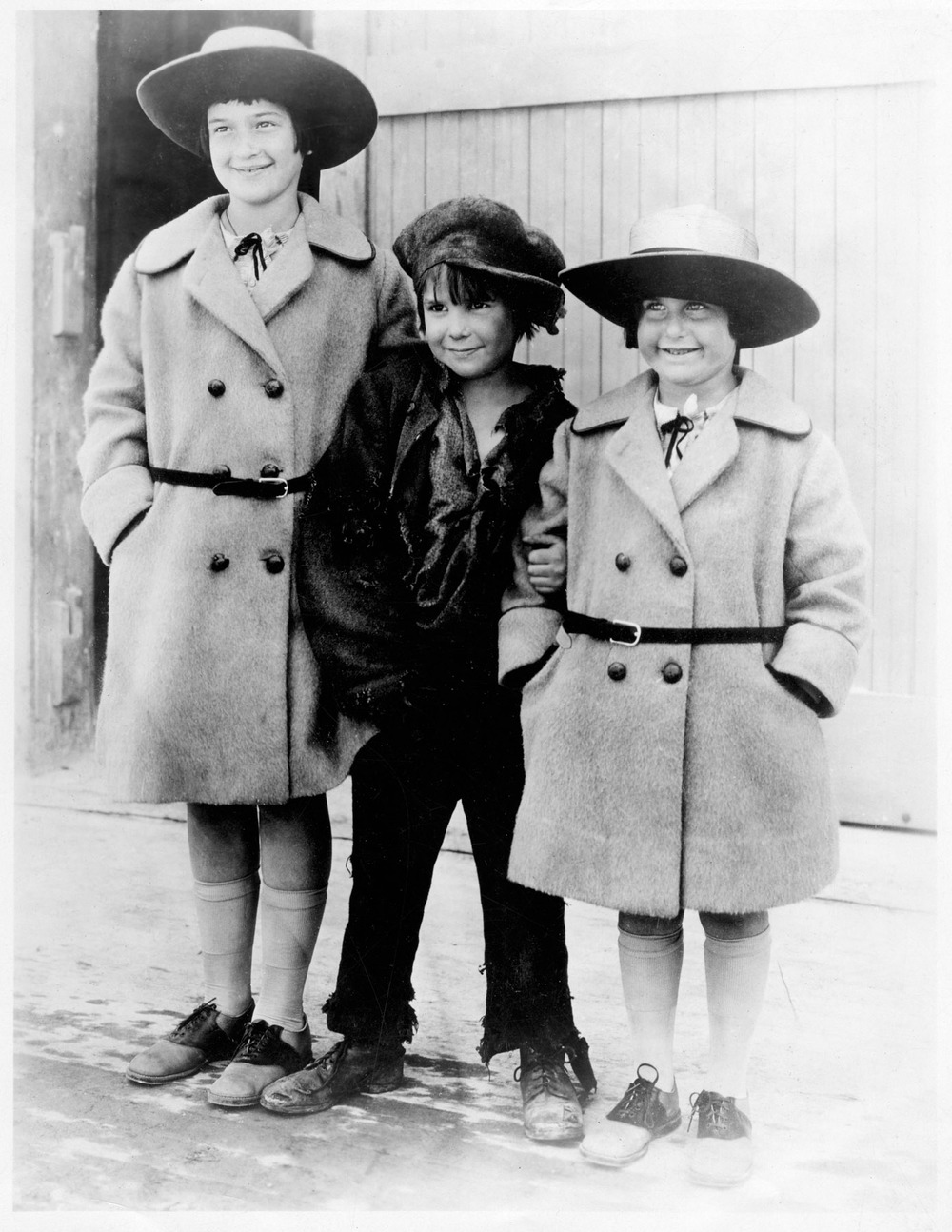 Bernice and Ruth with Jackie Coogan, Hollywood (1921)