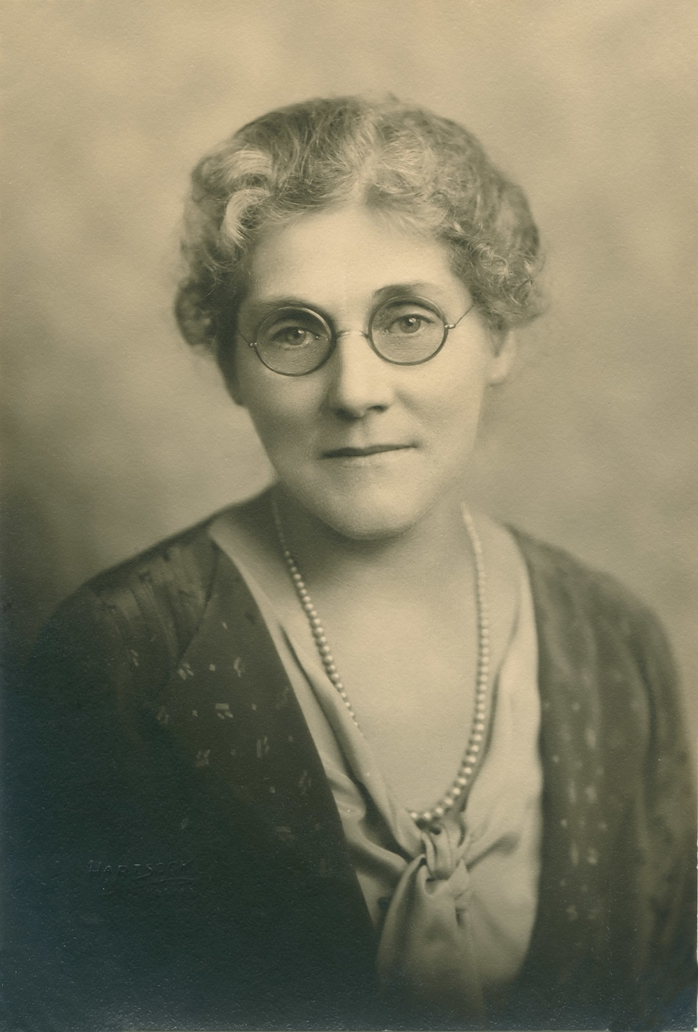 Anna M. Mines (?)