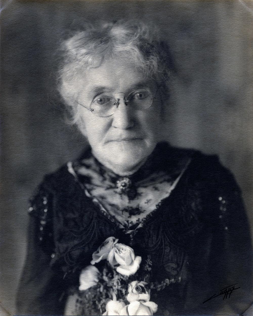 Elvira Walker