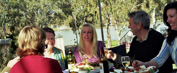 mannum_group_cafe.jpg
