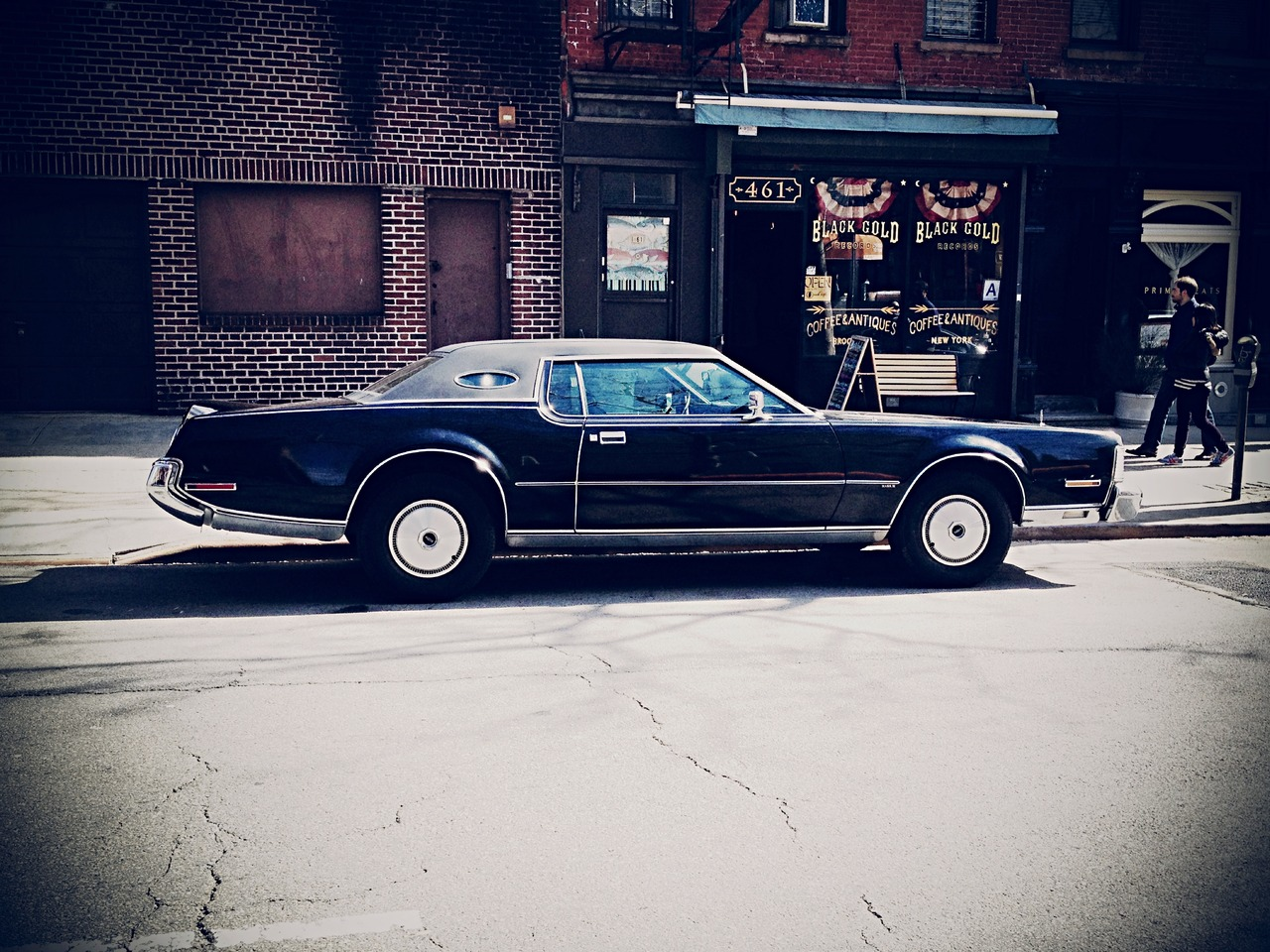 Mother Ship Parking #peppersearching #pepper #photos #vintagecara #brooklyn