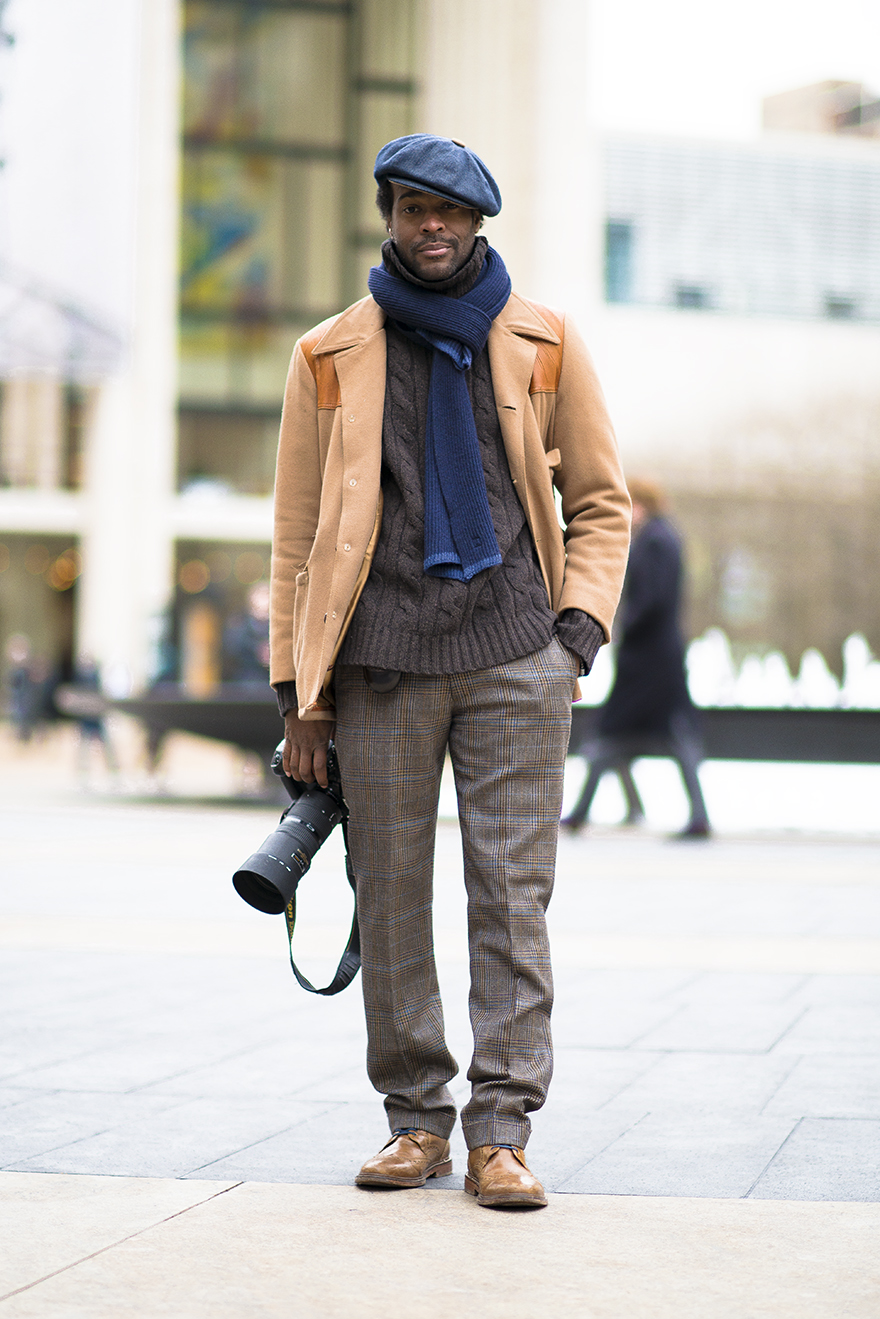 dapprly: Even the photographers @MBFashionWeek know how to dress well. Photo by Chloe Zhao