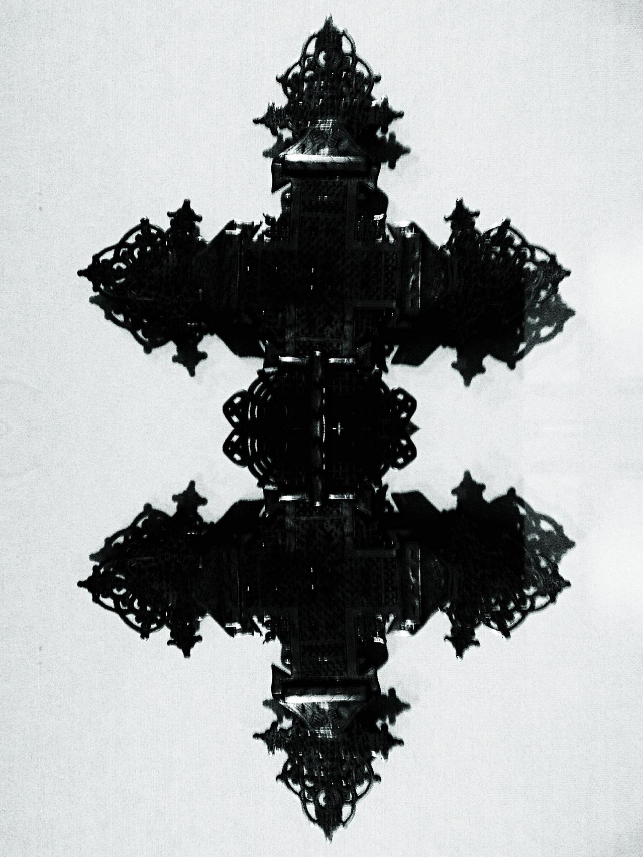 Rorschach Cross #peppersearching #pepper #blackwhite #cross