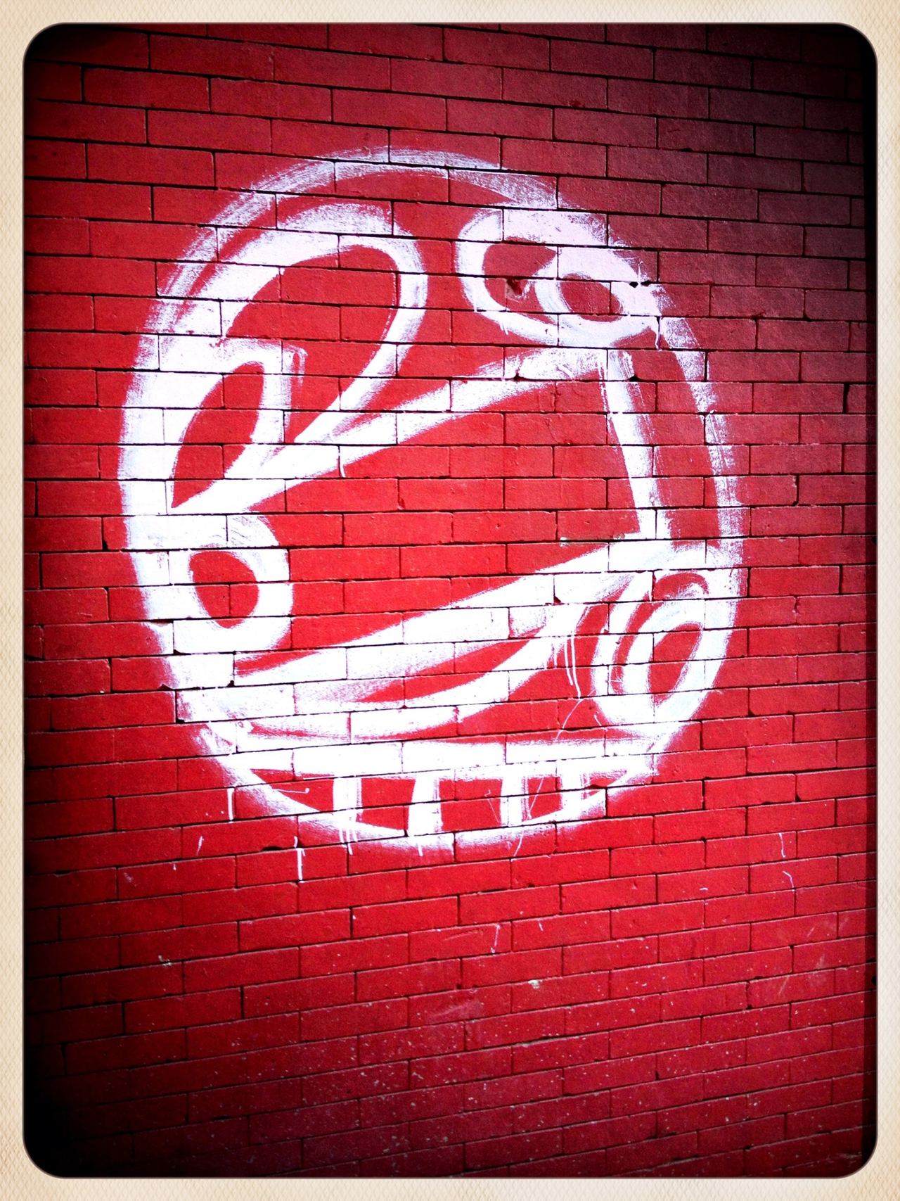 Line art/red wall - #peppersearch #pepper #graffiti #nyc #soho #redwall