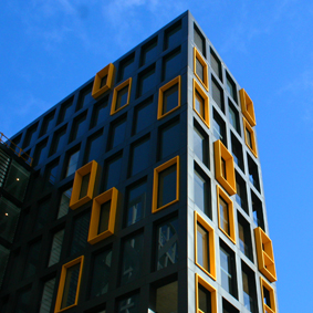 RIVIERE APARTMENTS, ABBOTSFORD - INTERLOCKING EXPRESS / FLATLOCK - PVDF ALUMINIUM