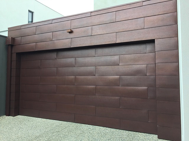 Garage door in Aluminium Antique Copper